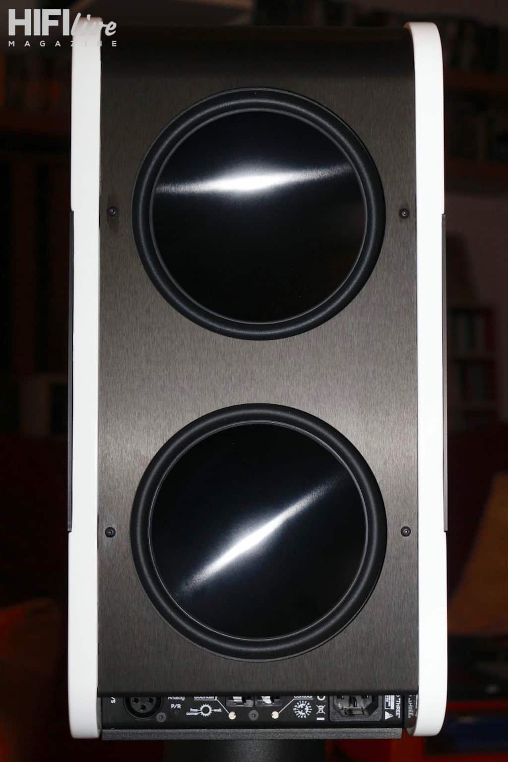 kii-audio-mod-three-trasera